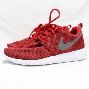 NEW Nike Roshe One (GS) Size 5.5Y Women's 7 Red